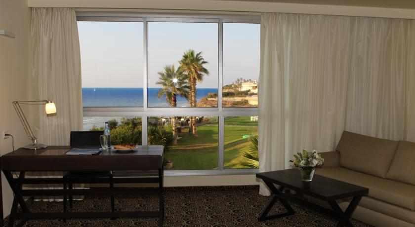 נוף לים מהחדר מלון השרון
