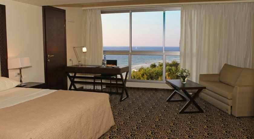 חדר נוף לים מלון השרון