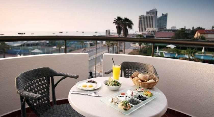 ארוחת בוקר מלון מרין הייטס