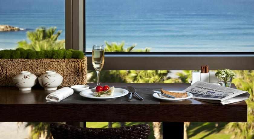 נוף לים מלון שיזן