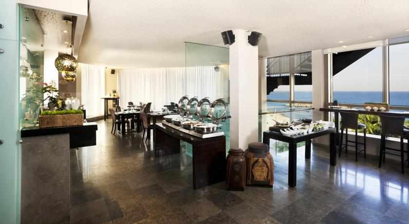 חדר אוכל מלון שיזן
